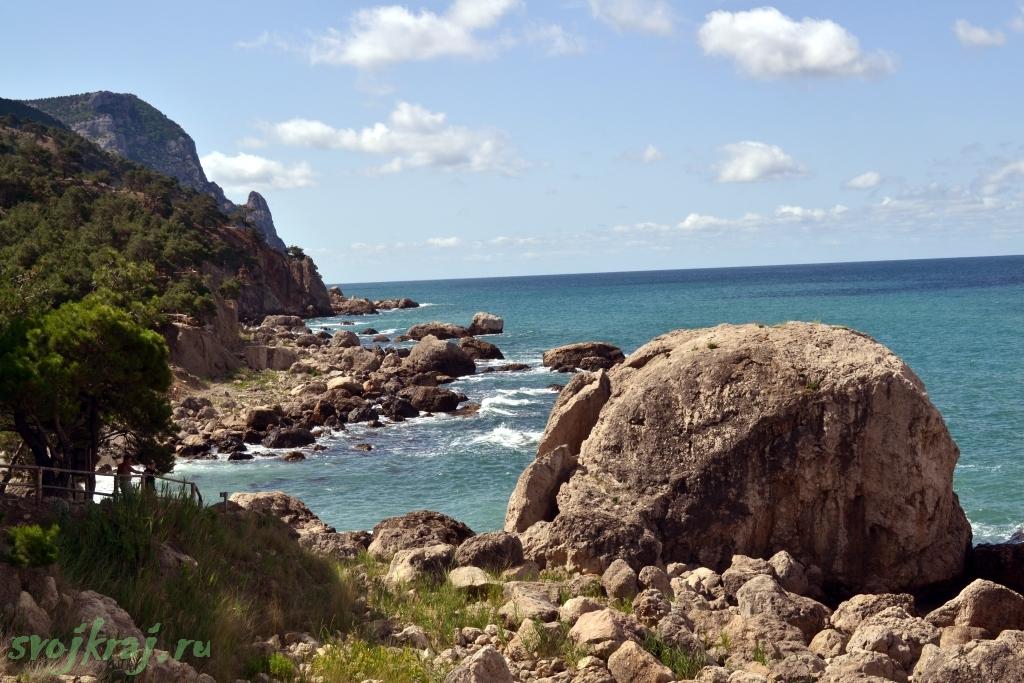 На краю счастья. Каменистый пляж у мыса Айя