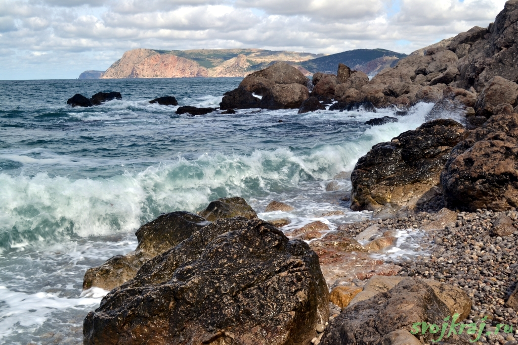 На краю счастья. Каменистый пляж