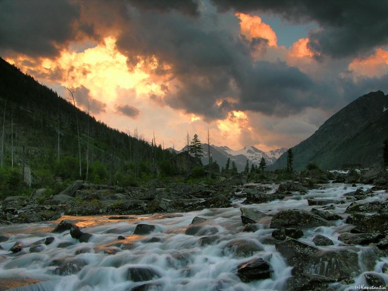 Горный Алтай. Бурный поток