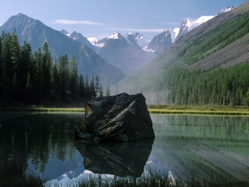 Горный Алтай. Камень
