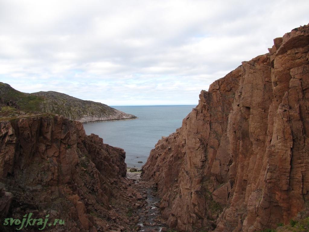 Кольский полуостров. Водопад у озера Батарейное