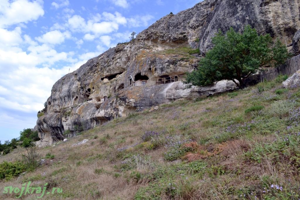 Крым. Монастырь около Эски-Кермен