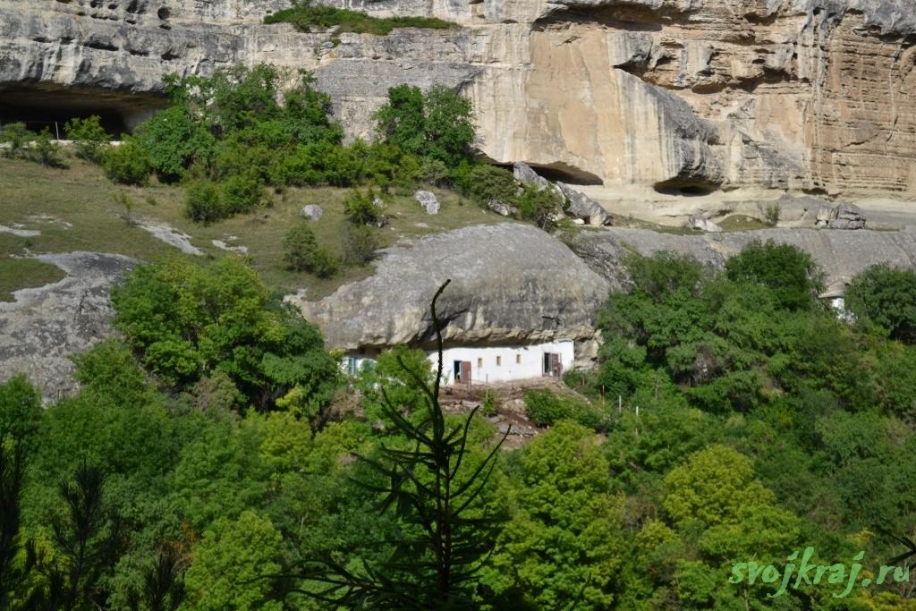 Крым. Постройка Свято-успенского монастыря