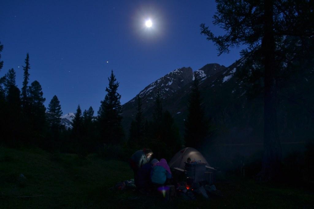 алтай. Ночь на среднем мультинском озере